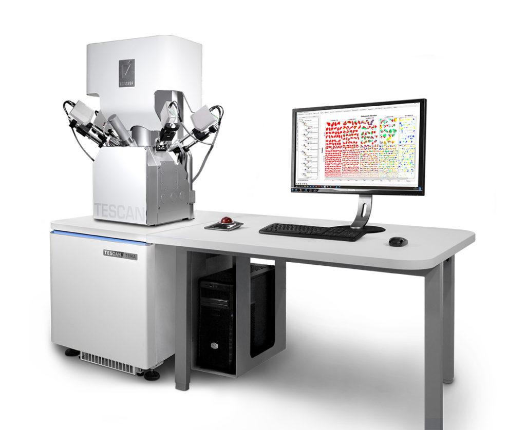 Nowy mikroskop doanaliz mineralogicznych - Tescan TIMA G4